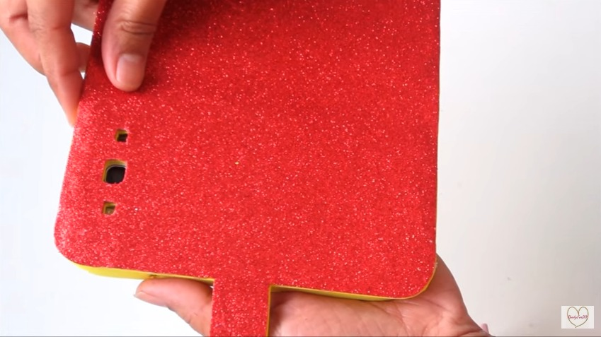 how to make a glitter cell phone case