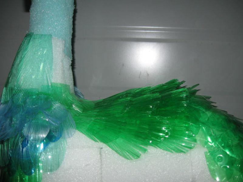 Головы из пластиковых бутылок
