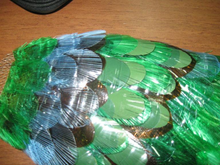 Схема перьев для павлина из пластиковых бутылок